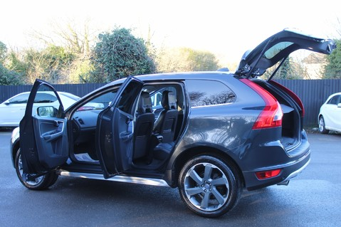 Volvo XC60 D5 SE LUX NAV AWD - POLESTAR - REAR ENTERTAINMENT/DVD PLAYERS -CAMERA- DAB 15