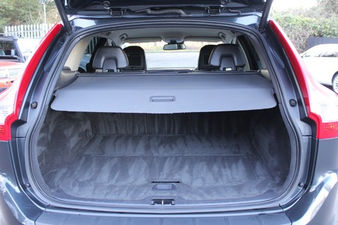 Volvo XC60 D5 SE LUX NAV AWD - POLESTAR - REAR ENTERTAINMENT/DVD PLAYERS -CAMERA- DAB 48