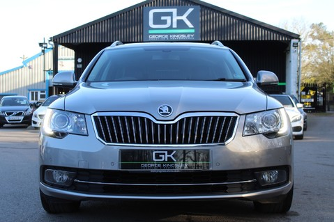 Skoda Superb LAURIN AND KLEMENT TDI CR DSG - PAN ROOF/DIGITALTV/COOLED SEATS - BIG SPEC 9