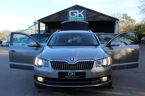 Skoda Superb LAURIN AND KLEMENT TDI CR DSG - PAN ROOF/DIGITALTV/COOLED SEATS - BIG SPEC 13