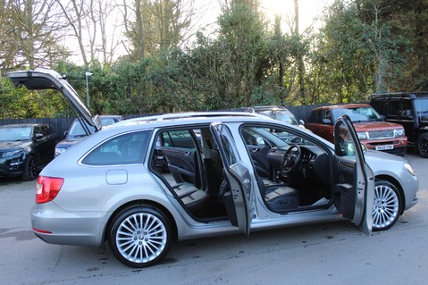 Skoda Superb LAURIN AND KLEMENT TDI CR DSG - PAN ROOF/DIGITALTV/COOLED SEATS - BIG SPEC 16