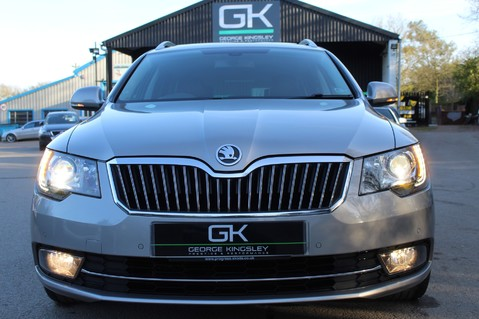 Skoda Superb LAURIN AND KLEMENT TDI CR DSG - PAN ROOF/DIGITALTV/COOLED SEATS - BIG SPEC 17