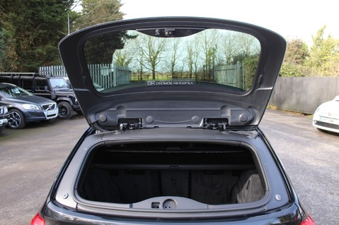 BMW 3 Series 320D M SPORT TOURING - EURO 6 - PAN ROOF - PRO SAT NAV - HARMAN KARDON 60