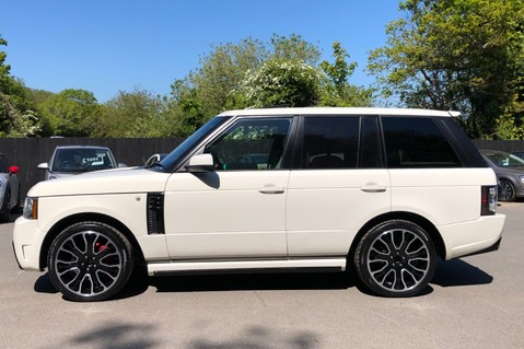 Land Rover Range Rover V8 SUPERCHARGED AUTOBIOGRAPHY OVERFINCH BODYKIT - REAR ENTERTAINMENT - TV 6