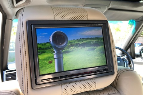 Land Rover Range Rover V8 SUPERCHARGED AUTOBIOGRAPHY OVERFINCH BODYKIT - REAR ENTERTAINMENT - TV 16