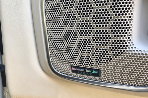 Land Rover Range Rover V8 SUPERCHARGED AUTOBIOGRAPHY OVERFINCH BODYKIT - REAR ENTERTAINMENT - TV 28