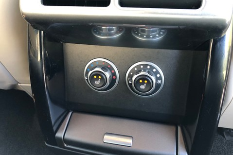 Land Rover Range Rover V8 SUPERCHARGED AUTOBIOGRAPHY OVERFINCH BODYKIT - REAR ENTERTAINMENT - TV 36