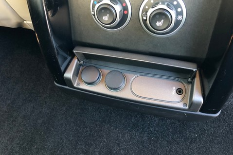 Land Rover Range Rover V8 SUPERCHARGED AUTOBIOGRAPHY OVERFINCH BODYKIT - REAR ENTERTAINMENT - TV 37