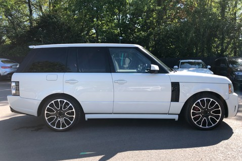 Land Rover Range Rover V8 SUPERCHARGED AUTOBIOGRAPHY OVERFINCH BODYKIT - REAR ENTERTAINMENT - TV 72