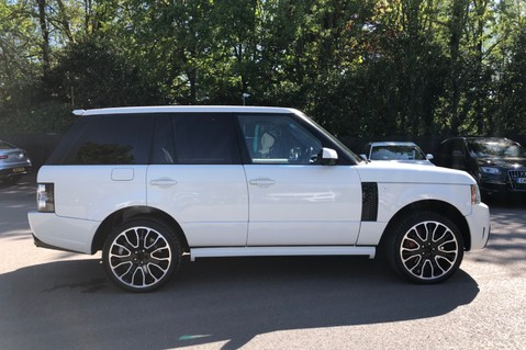 Land Rover Range Rover V8 SUPERCHARGED AUTOBIOGRAPHY OVERFINCH BODYKIT - REAR ENTERTAINMENT - TV 73