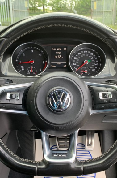 Volkswagen Golf GTD DSG 3DR -LEATHER- SATNAV- 19 INCH SANTIAGOS- APPLE CARPLAY- KEYLESS