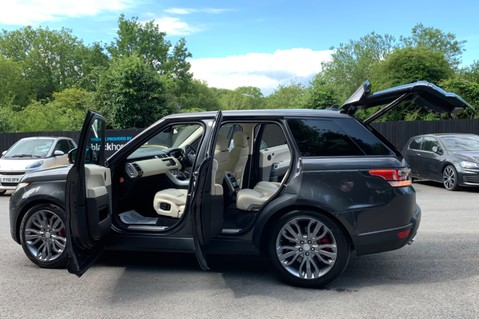 Land Rover Range Rover Sport SDV6 HSE DYNAMIC -EURO 6 -LOW TAX-PAN ROOF -FULL LAND ROVER SERVICE HISTORY 12