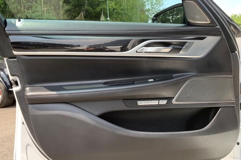 BMW 7 Series 730D XDRIVE M SPORT - SUNROOF- HARMAN KARDON- 1 OWNER - MINERAL WHITE 26