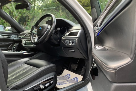 BMW 7 Series 730D XDRIVE M SPORT - SUNROOF- HARMAN KARDON- 1 OWNER - MINERAL WHITE 98