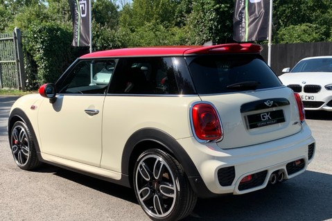 Mini Hatch JOHN COOPER WORKS - MEDIA XL - 18 INCH ALLOYS - HARMAN KARDON - 6K EXTRAS 2