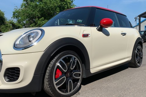Mini Hatch JOHN COOPER WORKS - MEDIA XL - 18 INCH ALLOYS - HARMAN KARDON - 6K EXTRAS 21
