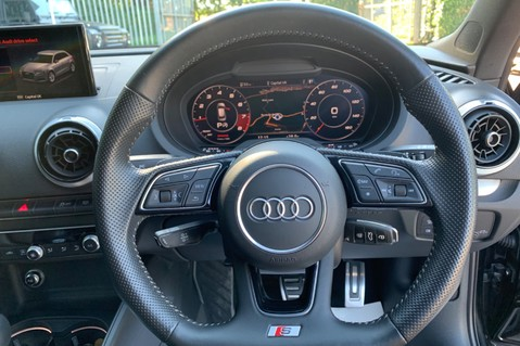Audi S3 SPORTBACK TFSI QUATTRO BLACK EDITION - PAN ROOF - VIRTUAL COCKPIT 42