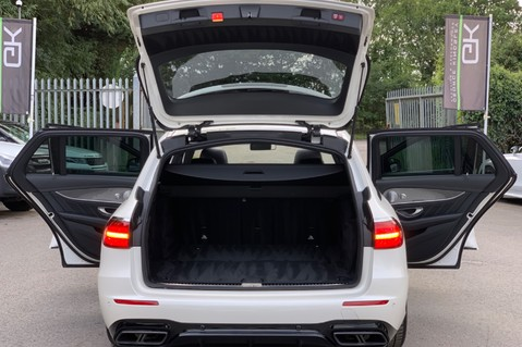 Mercedes-Benz E Class AMG E 63 S 4MATIC PREMIUM - DISTRONIC - DRIVING ASSISTANCE PACK - HUGE SPEC 19