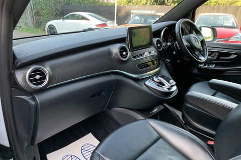 Mercedes-Benz V Class V 250 D AMG LINE LONG - PAN ROOF -LANE ASSIST -7 SEATER- 360 CAMERAS -VATQ 27