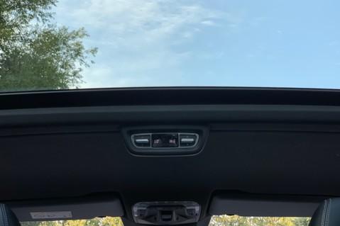 Mercedes-Benz V Class V 250 D AMG LINE LONG - PAN ROOF -LANE ASSIST -7 SEATER- 360 CAMERAS -VATQ 44