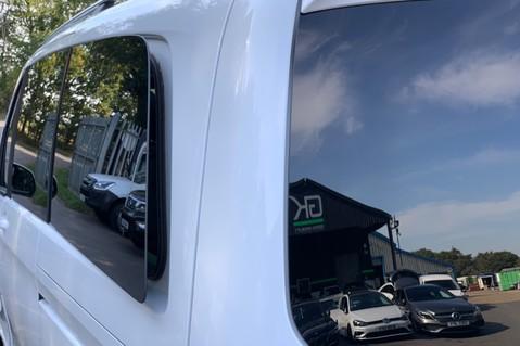 Mercedes-Benz V Class V 250 D AMG LINE LONG - PAN ROOF -LANE ASSIST -7 SEATER- 360 CAMERAS -VATQ 51