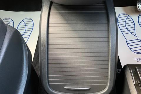 Mercedes-Benz V Class V 250 D AMG LINE LONG - PAN ROOF -LANE ASSIST -7 SEATER- 360 CAMERAS -VATQ 65