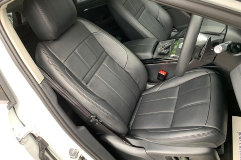 Land Rover Range Rover Evoque R-DYNAMIC SE - ONE OWNER FROM NEW - BLACK ROOF 14