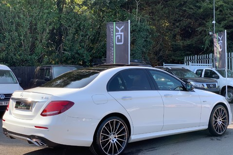 Mercedes-Benz E Class AMG E 43 4MATIC PREMIUM PLUS - WIDESCREEN COCKPIT - 20 INCH ALLOYS -1 OWNER 4
