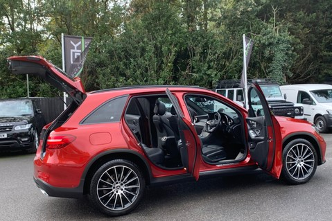 Mercedes-Benz GLC GLC 350 D 4MATIC AMG LINE PREMIUM -NIGHT PACKAGE -RARE DESIGNO HYACINTH RED 15