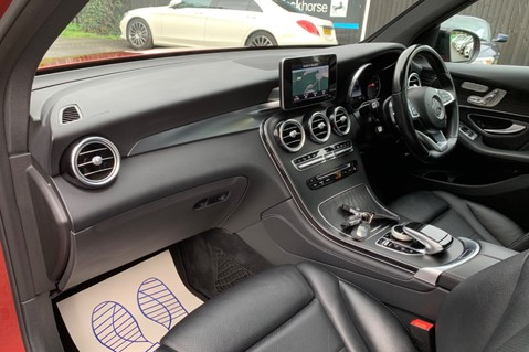 Mercedes-Benz GLC GLC 350 D 4MATIC AMG LINE PREMIUM -NIGHT PACKAGE -RARE DESIGNO HYACINTH RED 21