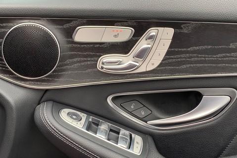 Mercedes-Benz GLC GLC 350 D 4MATIC AMG LINE PREMIUM -NIGHT PACKAGE -RARE DESIGNO HYACINTH RED 38