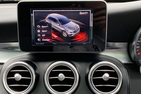 Mercedes-Benz GLC GLC 350 D 4MATIC AMG LINE PREMIUM -NIGHT PACKAGE -RARE DESIGNO HYACINTH RED 43