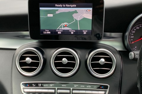Mercedes-Benz GLC GLC 350 D 4MATIC AMG LINE PREMIUM -NIGHT PACKAGE -RARE DESIGNO HYACINTH RED 45