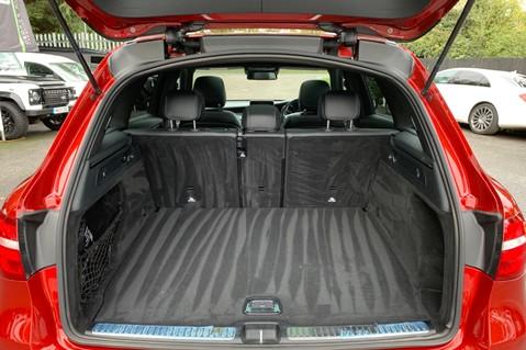 Mercedes-Benz GLC GLC 350 D 4MATIC AMG LINE PREMIUM -NIGHT PACKAGE -RARE DESIGNO HYACINTH RED 56