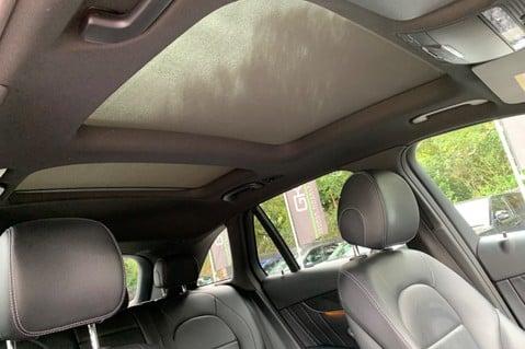 Mercedes-Benz GLC GLC 350 D 4MATIC AMG LINE PREMIUM -NIGHT PACKAGE -RARE DESIGNO HYACINTH RED 57