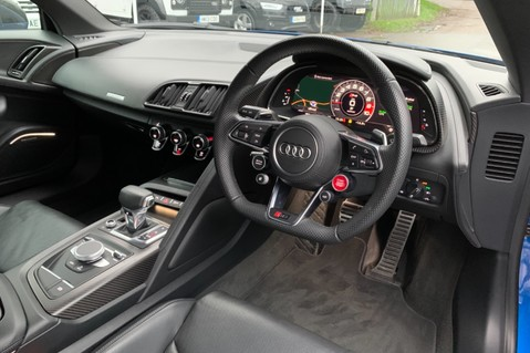 Audi R8 V10 PLUS QUATTRO - B&O -REVERSE CAMERA - EXTENDED NAPPA LEATHER 13