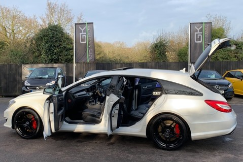 Mercedes-Benz CLS CLS63 AMG S - RARE CLS 63-S SHOOTING BRAKE -19K EXTRAS!! - FULL MBSH 23