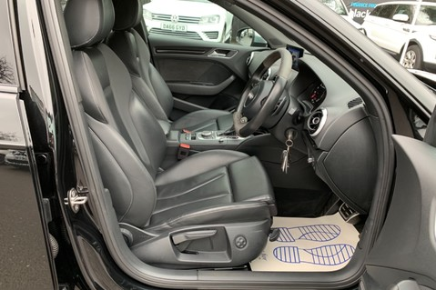 Audi RS3 RS3 SPORTBACK QUATTRO NAV -DYNAMIC PACK - FULL AUDI SERVICE HISTORY 36