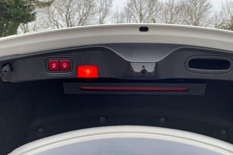 Mercedes-Benz C Class AMG C 63 PREMIUM - 1 OWNER -FORGED AMG ALLOYS -NIGHT PK -DESIGNO -VATQ 60