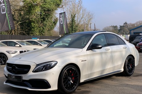 Mercedes-Benz C Class AMG C 63 PREMIUM - RED/BLACK LEATHER - 19 INCH CROSS SPOKES - AMG EXHAUST 8