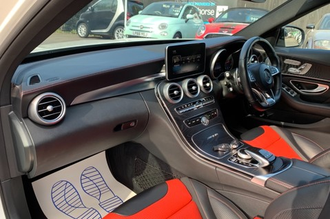 Mercedes-Benz C Class AMG C 63 PREMIUM - RED/BLACK LEATHER - 19 INCH CROSS SPOKES - AMG EXHAUST 27