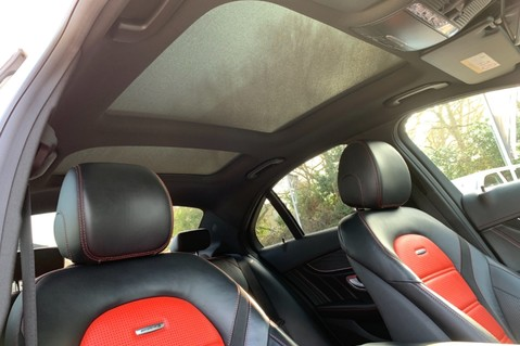 Mercedes-Benz C Class AMG C 63 PREMIUM - RED/BLACK LEATHER - 19 INCH CROSS SPOKES - AMG EXHAUST 62