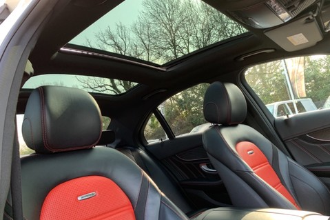 Mercedes-Benz C Class AMG C 63 PREMIUM - RED/BLACK LEATHER - 19 INCH CROSS SPOKES - AMG EXHAUST 63