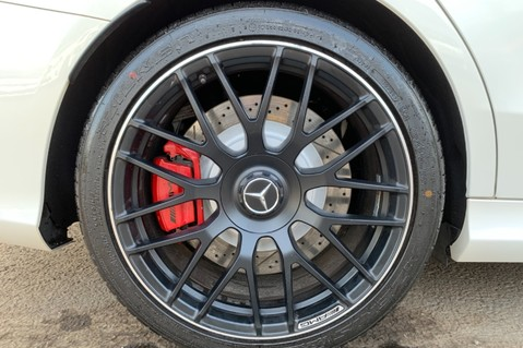 Mercedes-Benz C Class AMG C 63 PREMIUM - RED/BLACK LEATHER - 19 INCH CROSS SPOKES - AMG EXHAUST 73