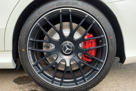 Mercedes-Benz C Class AMG C 63 PREMIUM - RED/BLACK LEATHER - 19 INCH CROSS SPOKES - AMG EXHAUST 74