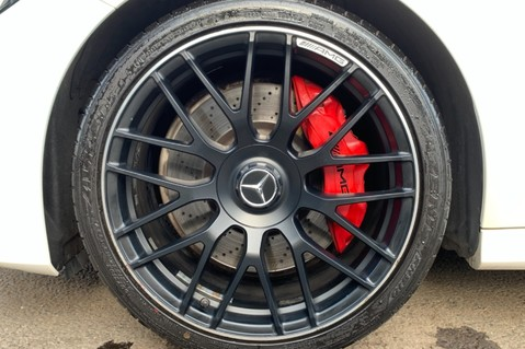 Mercedes-Benz C Class AMG C 63 PREMIUM - RED/BLACK LEATHER - 19 INCH CROSS SPOKES - AMG EXHAUST 75