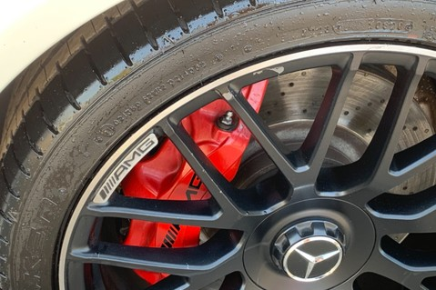 Mercedes-Benz C Class AMG C 63 PREMIUM - RED/BLACK LEATHER - 19 INCH CROSS SPOKES - AMG EXHAUST 81