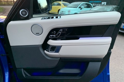 Land Rover Range Rover SDV6 VOGUE SE - RARE VELOCITY BLUE - REAR ENTERTAINMENT - VATQ 54