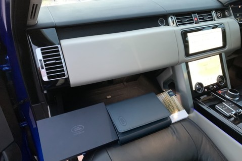 Land Rover Range Rover SDV6 VOGUE SE - RARE VELOCITY BLUE - REAR ENTERTAINMENT - VATQ 84