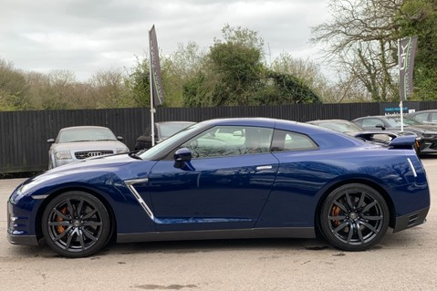 Nissan GT-R V6 - LOW MILEAGE - FULL GTR SPECIALIST SERVICE HISTORY 7